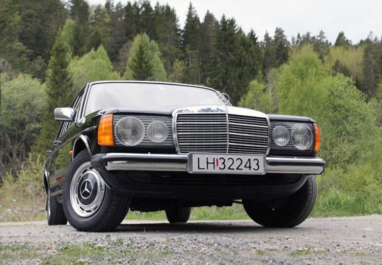 Mercedes 250 W123_1