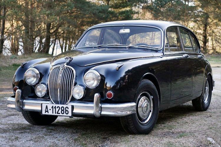 Jaguar MKII_2