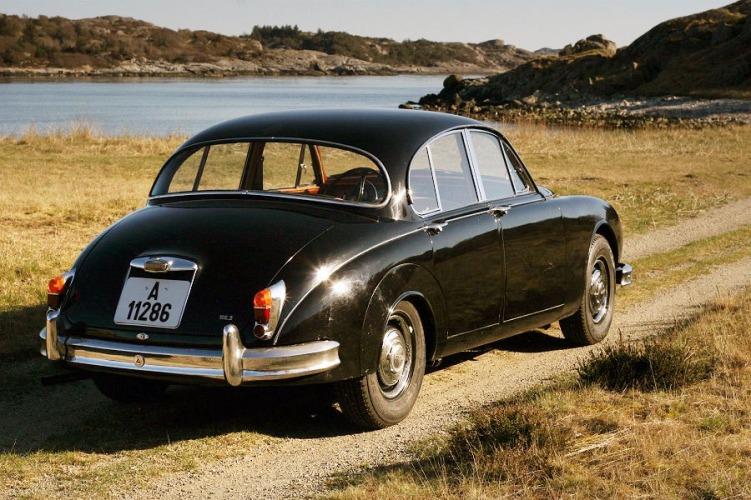 Jaguar MKII_4